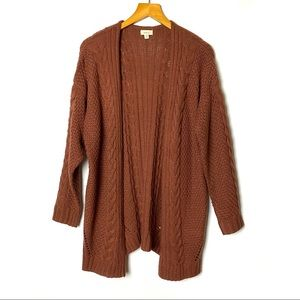 DEBUT Chunky Cable Knit Cardigan Sweater